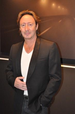 Julian-Lennon-3-292x440