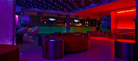 Clevelander lounge