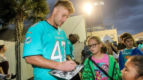 Kiko Alonso at Thanksgiving Meal Distribution presented by Hyundai