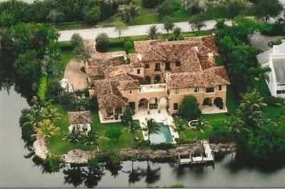 Miami luxury home at 221 Casuarina Concourse, Coral Gables, Florida