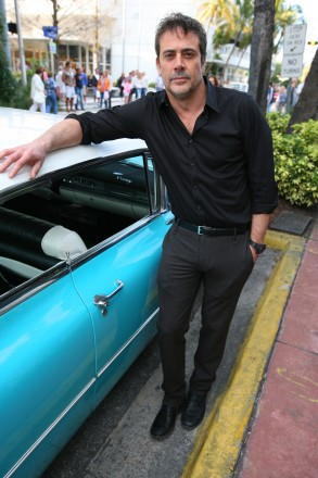 Jeffrey Dean Morgan (Ike Evans)