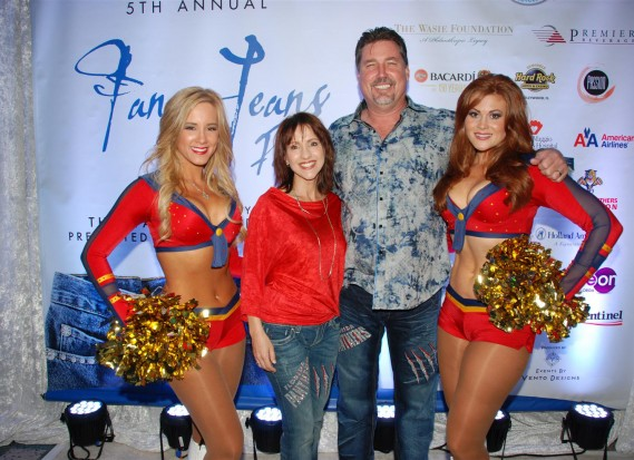 P4. Panthers Ice Dancers with Andria and Jim Nolan - Photo Credit - Ginny Fujino, Blacktie-South Florida