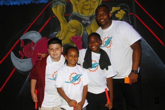 Josh Samuda with students from Henry S. Reeves Elementary at Monster Mini Golf in Miramar