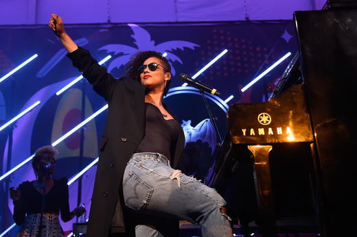 MIAMI, FL - DECEMBER 03: Singer Alicia Keys performs onstage at The Dean Collection X BACARDI Untameable House Party on December 3, 2015 in Miami, Florida. (Photo by Frazer Harrison/Getty Images for Bacardi)