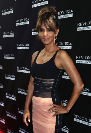 LOS ANGELES, CA - SEPTEMBER 27:  Actress Halle Berry attends Revlon's Annual Philanthropic Luncheon at Chateau Marmont on September 27, 2016 in Los Angeles, California.  (Photo by David Livingston/Getty Images)