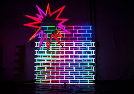 José Carlos Martinat. American Echo Chamber, 2018. Motors, LEDs, microcontroller, and radio module. Dimensions variable. © José Carlos Martinat. Courtesy the artist and Revolver Galería