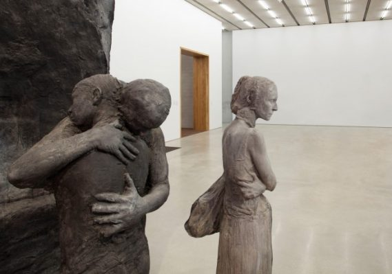 George Segal. Abraham's Farewell to Ishmael, 1987. Painted plaster. 107 x 54 x 54 inches. Collection Pérez Art Museum Miami, gift of The George and Helen Segal Foundation, Inc. © Pérez Art Museum Miami. Photo: Oriol Tarridas
